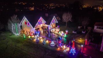Świąteczne oświetlenie Cięcina - Biegun